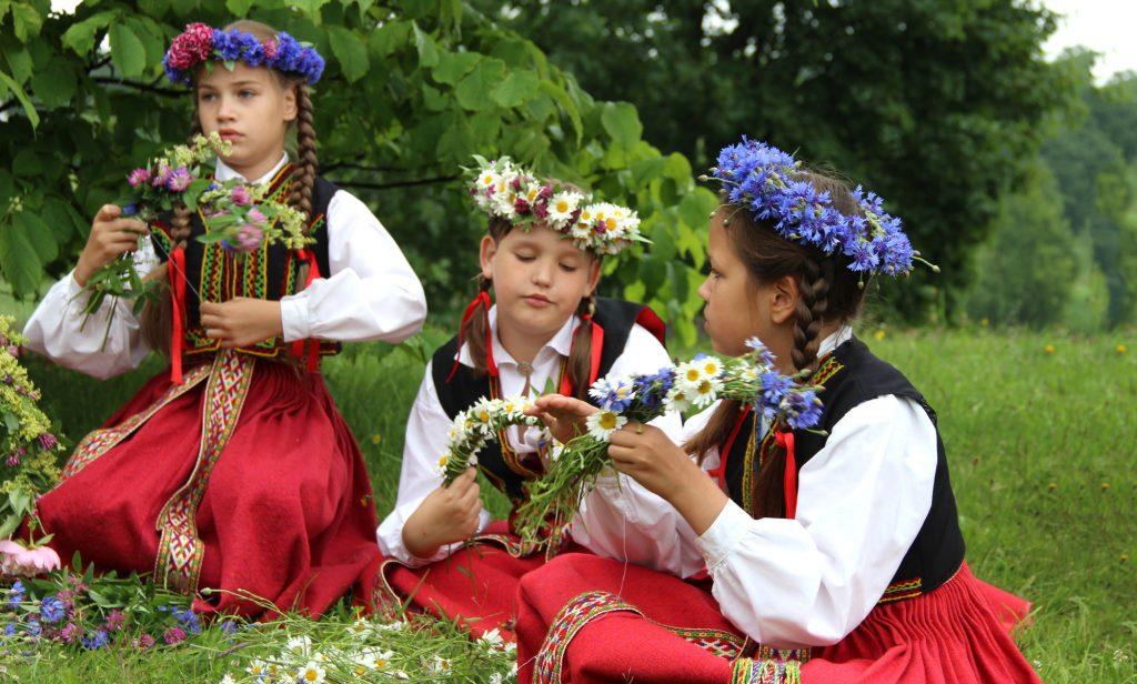 Bērnu folkloras kopas